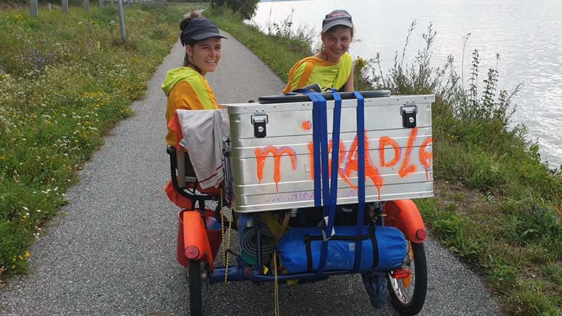 Leah and Michela, art students from Vienna, who I camped next to at Marbach, and who are pedalling up the Danube
