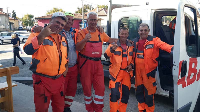 A super friendly team of road workers on the road to Plovdiv. They raced after me to give me two chocolate bars