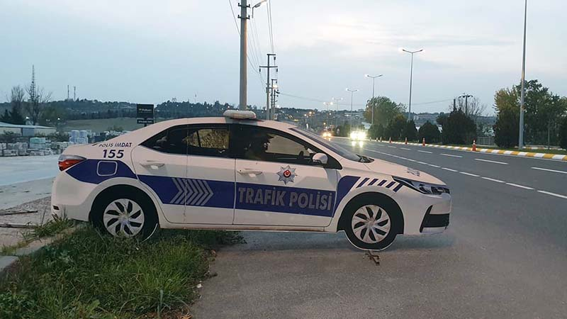 A fake police car used as a traffic calming device. There are loads of them in Turkey, very realistic too - except the vandalised ones