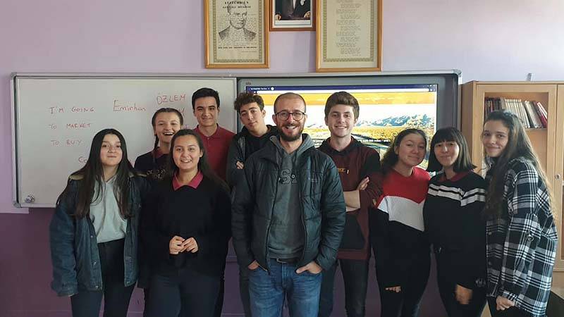 While in Bozuyuk I gave an English class at the sixth form college Hakan teaches at. It was the first time most of them had met a native English speaker